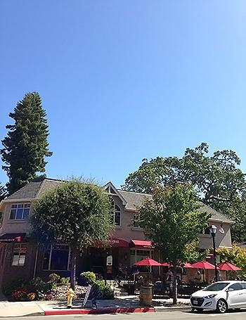 カリフォルニアの青い空