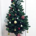 イエロー、ブルーベース別、青をアクセントにしたクリスマス装飾