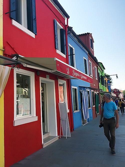 カラフルな町ブラーノ島