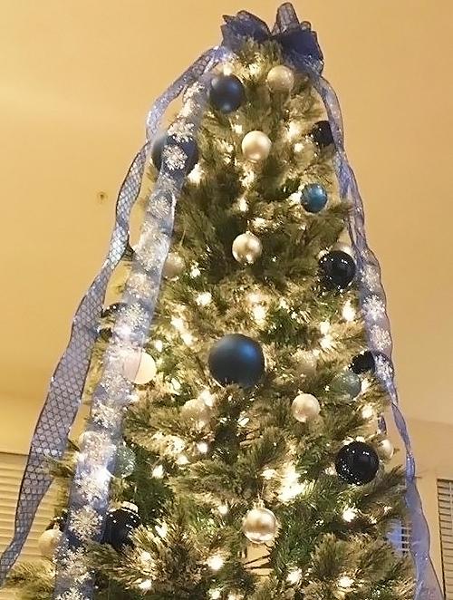 どちらも素敵なクリスマスツリー